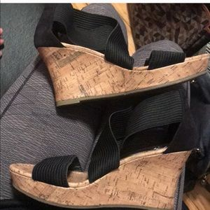 Seychelles black strappy cork wedges